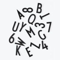 Μεγάλοι αριθμοί και γράμματα - από τον Arne Jacobsen / για σχέδια επιστολών διάτρητο πίνακα μαύρο σχεδιασμό επιστολές Arne Jacobsen