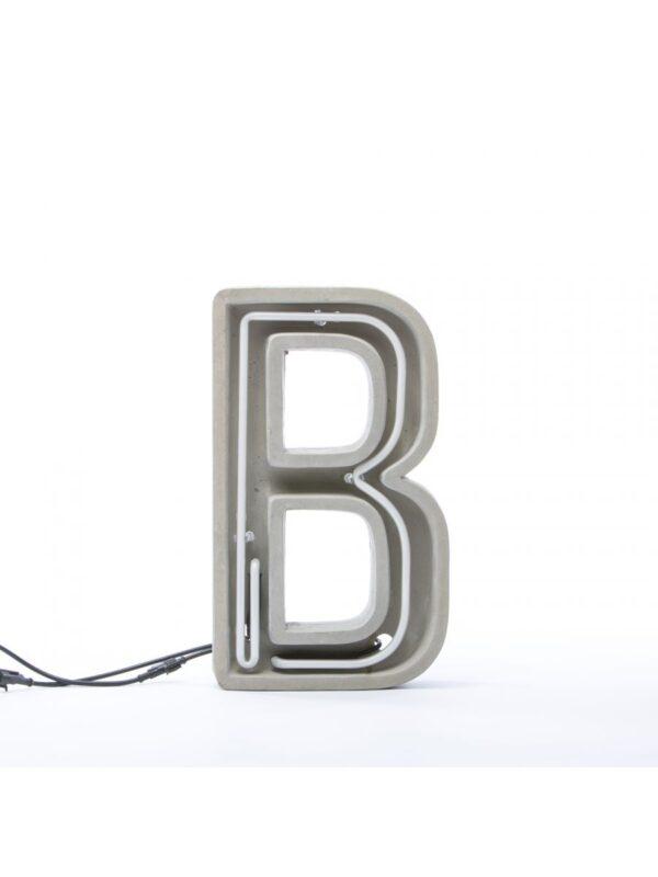 Alphacrete Tischlampe - Buchstabe B Weiß | Grau | Seletti BBMDS Cement
