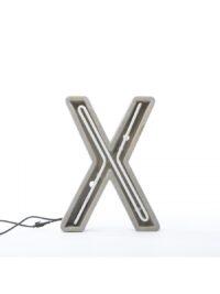 Alphacreteテーブルランプ - 手紙Xホワイト|グレー|セメントSeletti BBMDS