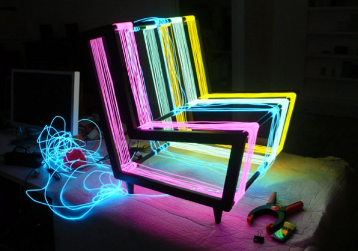 hard-chair_by_kiwi-and-pom_3