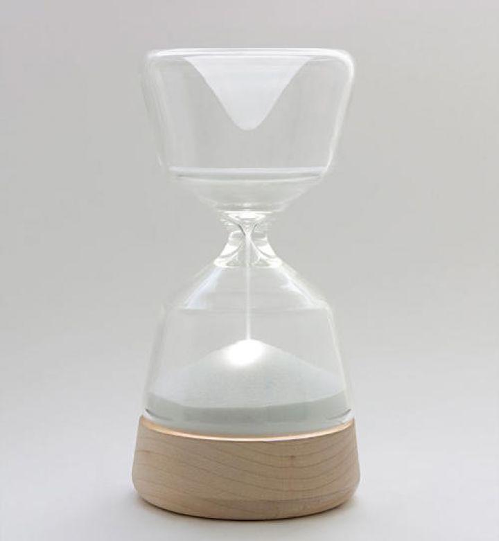 Night-Night-Hourglass-Lamp-Vanessa-Hordies
