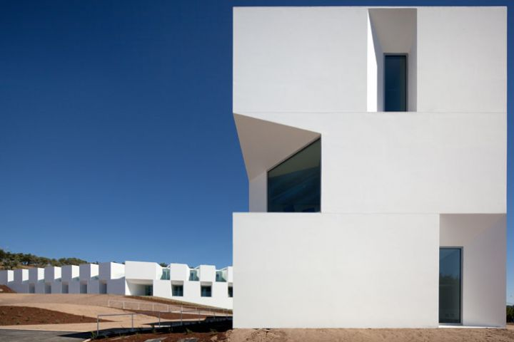 ALCACER-DO-SAL-FORM-by-Aires-Mateus-architects-photo-Fernando-and-Sergio-Guerra-yatzer-26