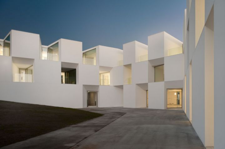 ALCACER-DO-SAL-FORM-by-Aires-Mateus-architects-photo-Fernando-and-Sergio-Guerra-yatzer-33