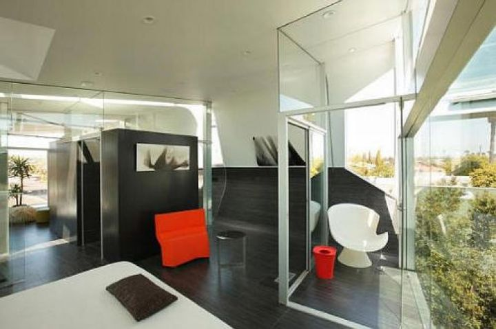 Venice-Beach-Residence-by-Anthony-Thigh-Modern-Furniture