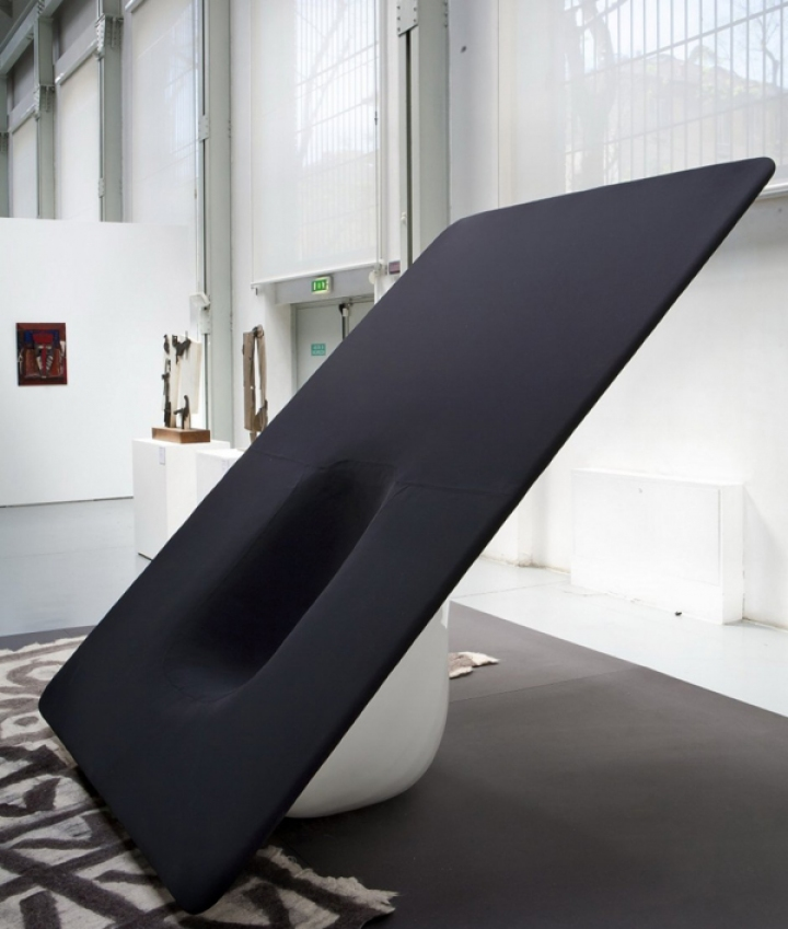 04_woofer_Chair_Ministry_of_Design