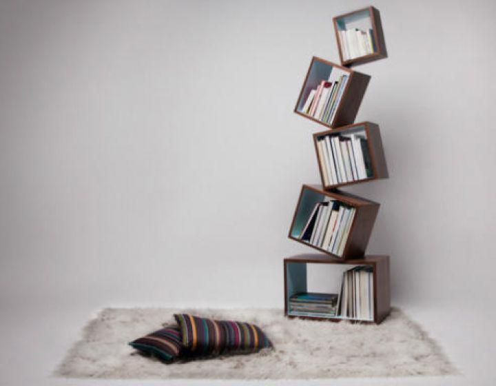 Equilibrium-Modern-Bücherregal-by-Alejandro-Gomez-Stubbs