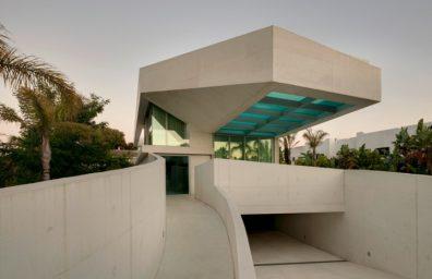 Jellyfish-House-by-Wiel Arets-architectes-maison-piscine-transparent-toit en verre-Marbella-Espagne-ddarcart-14