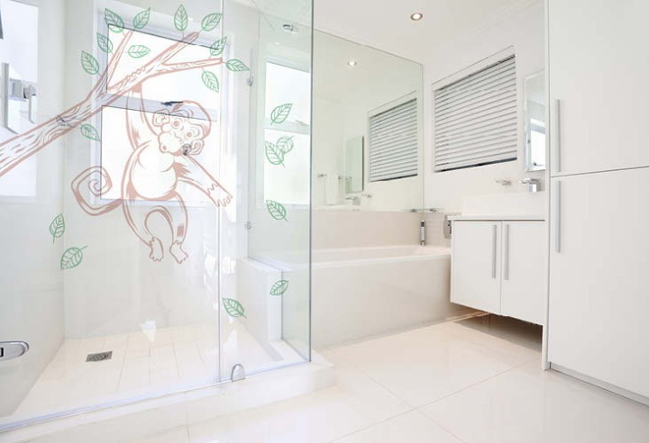 shower Monkey 1