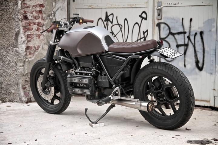 Custom BMW K 75 street tracker by Moto Sumisura social design magazine 03