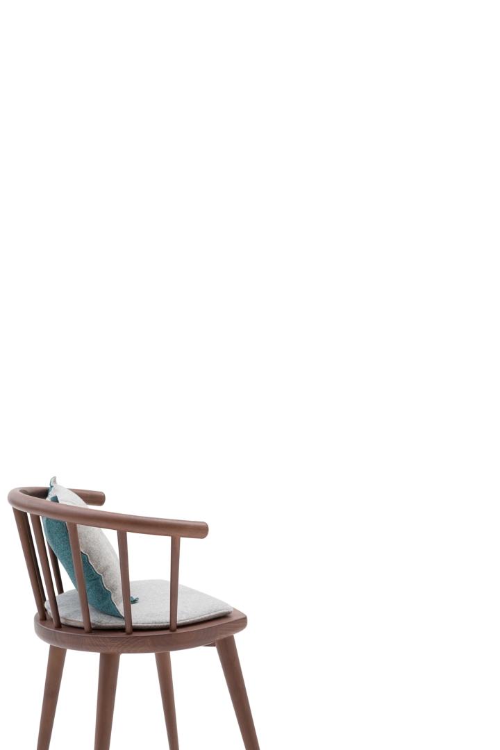 W. 605 with cushions social design magazine