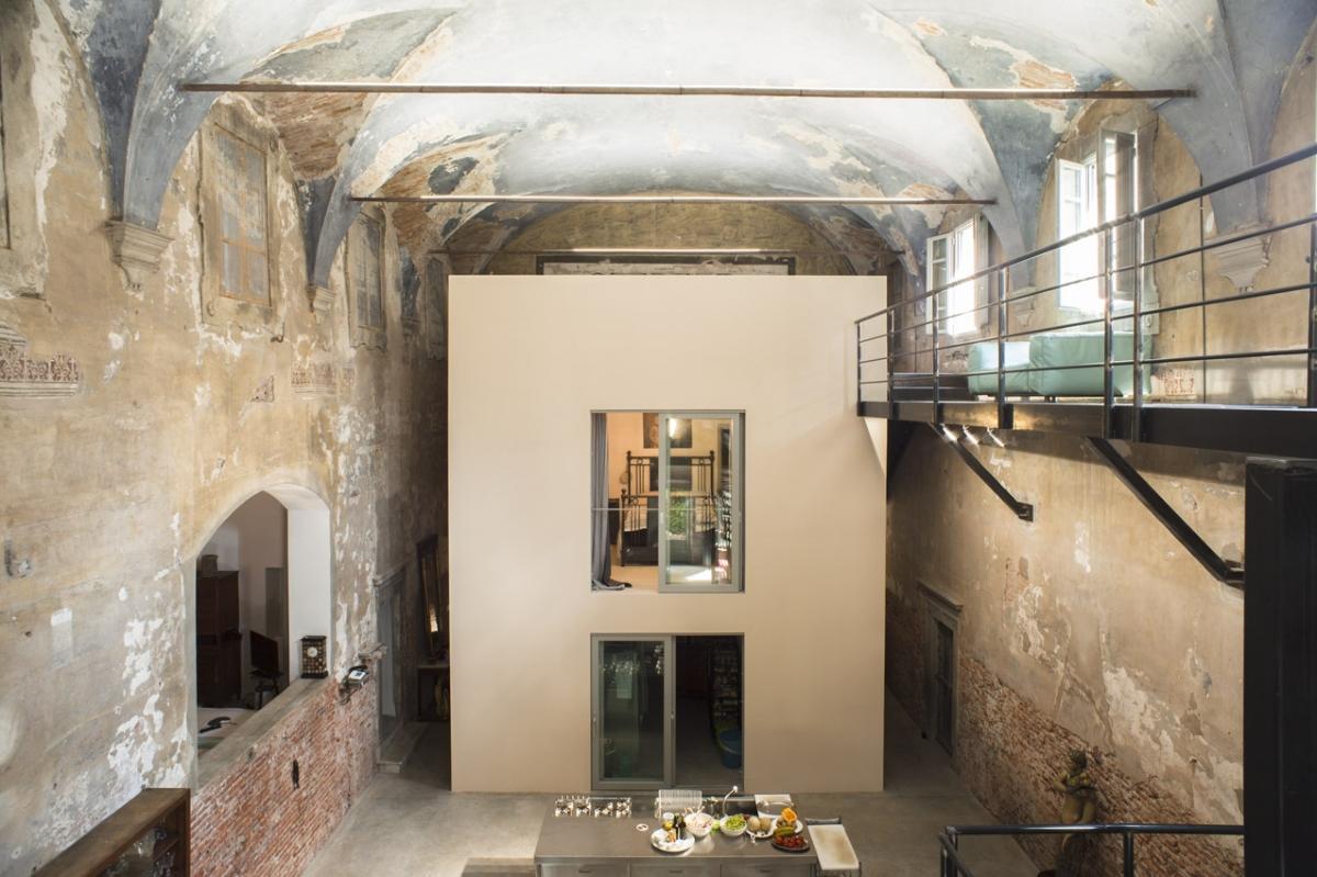 Rada Markovic, diseño de iluminación para Massimo Vitali casa 11 azul frontal TECHO vista ph. Marco Campanini