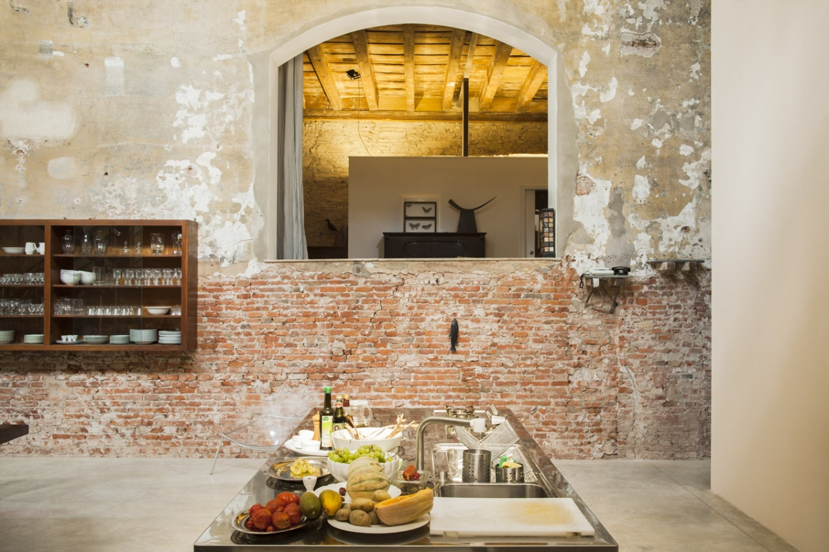 Rada Markovic, lighting design for Massimo Vitali home 3 KITCHEN work surface profile view, ph. Marco Campanini