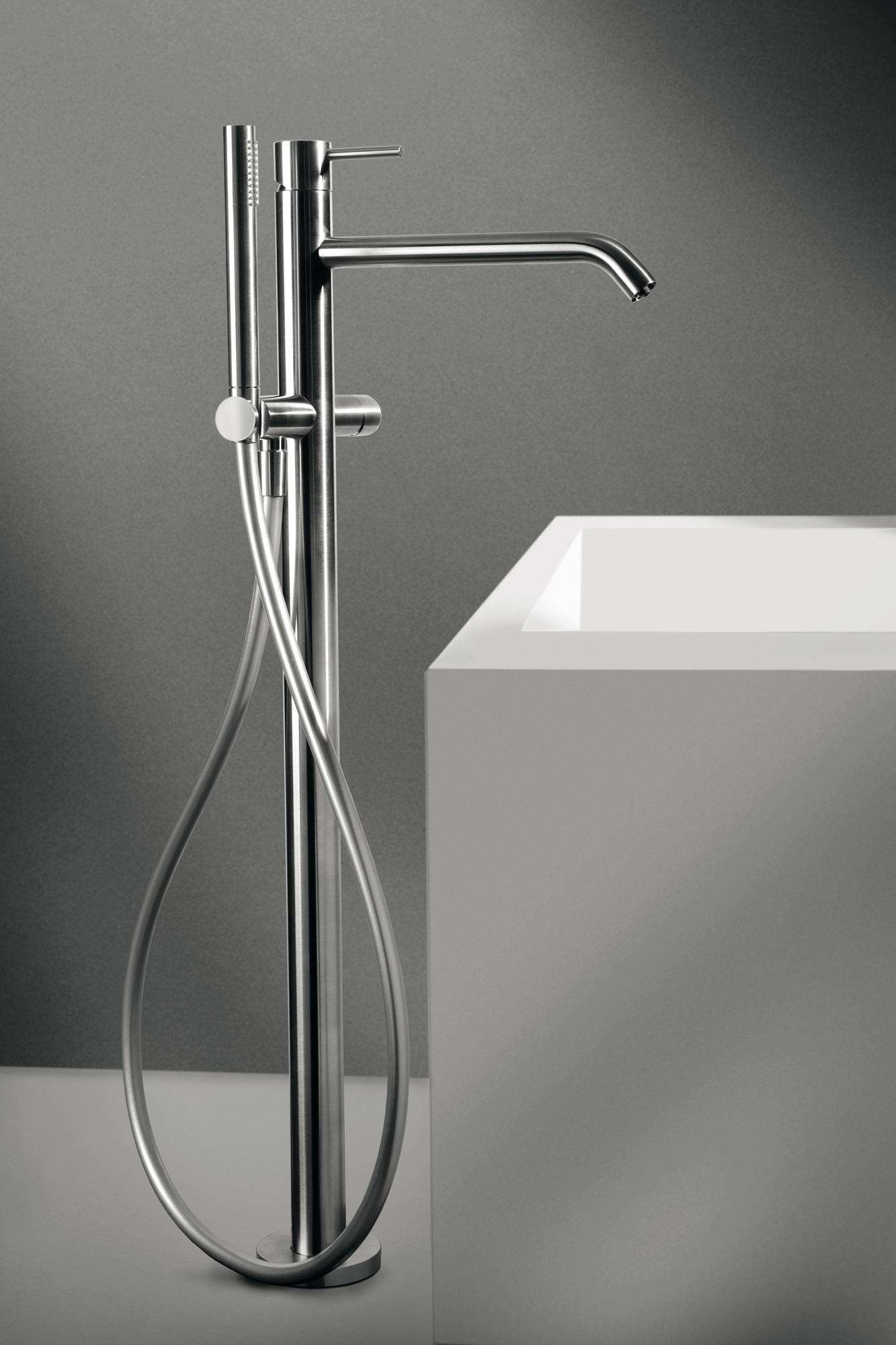 Bodenwand Ventil CleoSteel 48 Bad, komplett mit Dusche. Fertig Edelstahl gebürstet