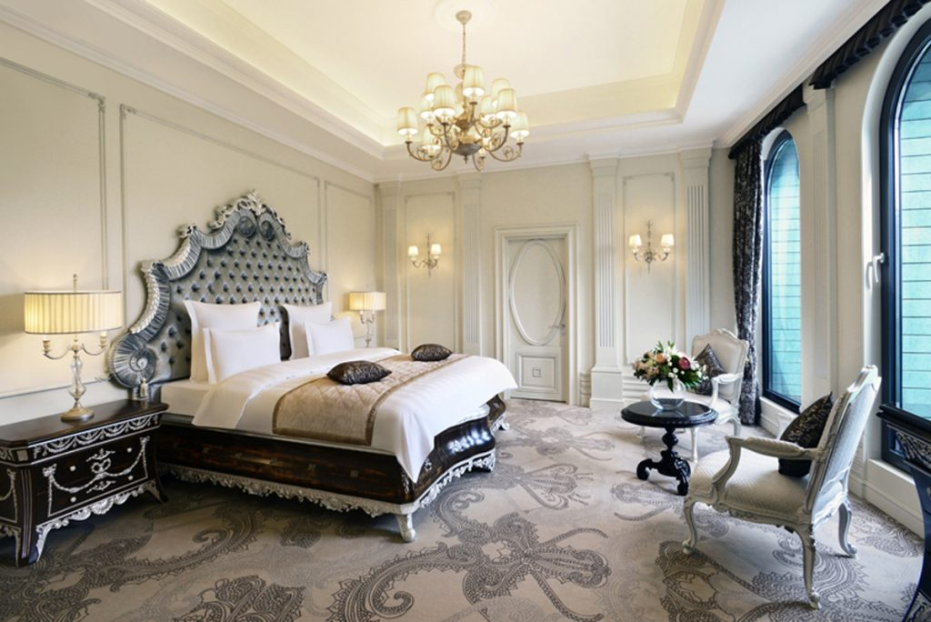One of the three rooms of the Presidential Suite