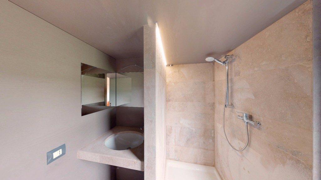Glant wild Bathroom