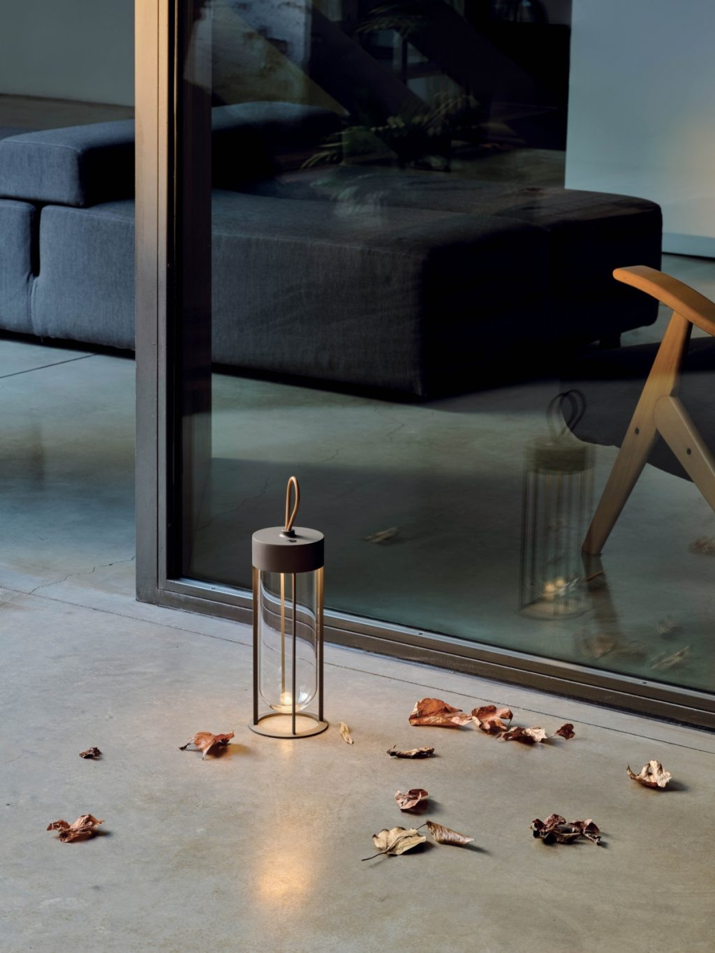 In Vitro Unplugged wireless table lamp, Philippe Starck for FLOS