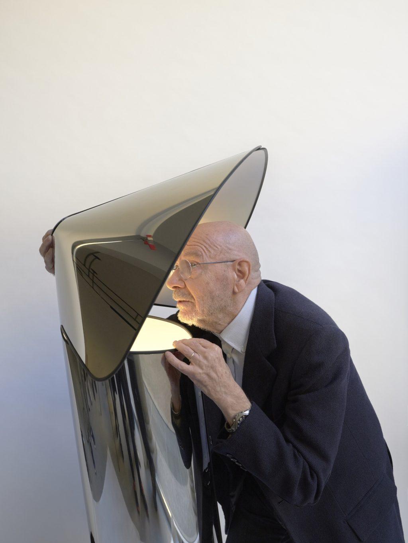マリオ・ベリーニによるフロスのキアラランプ、2020年再発行